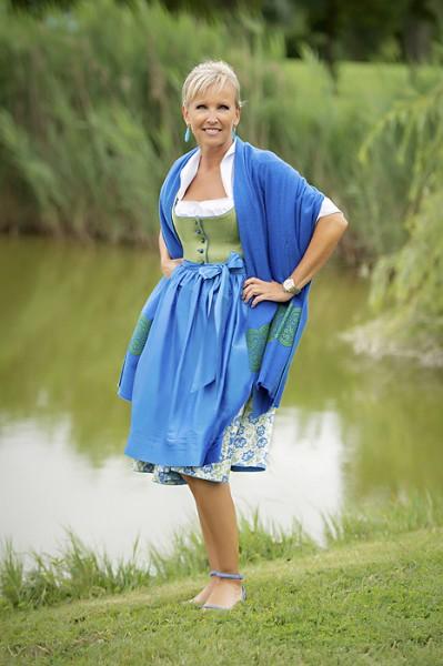 """Midi-Dirndl """"Elisabeth"""" grün blau, Michaela Feyrsinger"""
