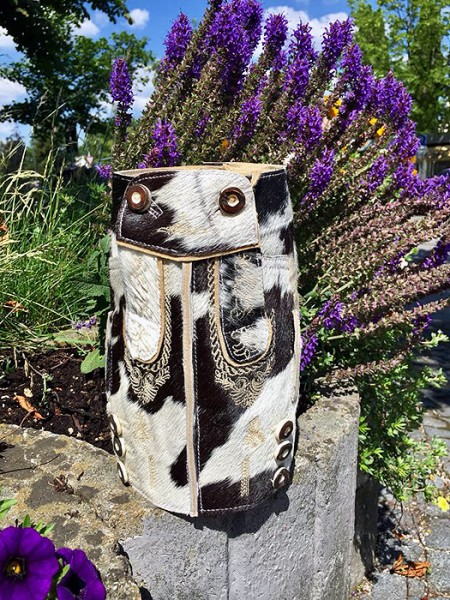 Wein- bzw. Sektkühler im Lederhosen-Look aus Kuhfell-Leder