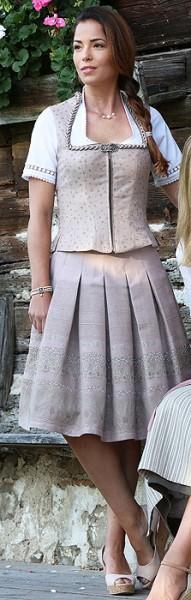 Faltenrock in hellem rosa mit silbergrauen Akzenten, Trachtn Bäda